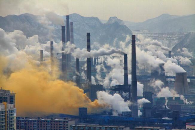 Con người là nguyên nhân chính gây ra hiện tượng ô nhiễm môi trường