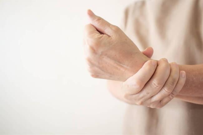 Đa xơ cứng là một căn bệnh nghiêm trọng ảnh hưởng đến hệ thần kinh trung ương