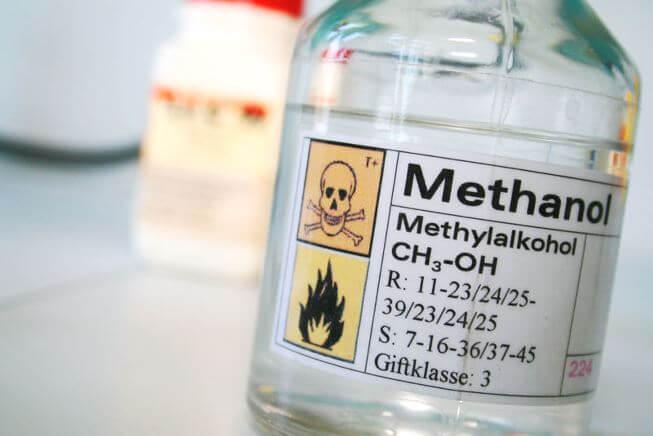 Các dấu hiệu ngộ độc rượu methanol