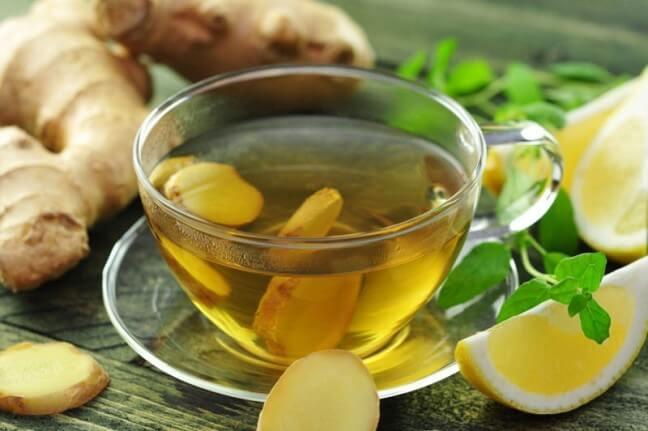 Cách xông mặt trị mụn ẩn bằng trà xanh