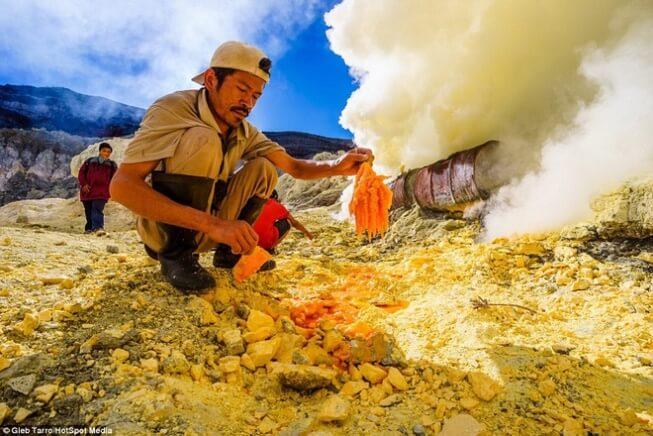 Lưu huỳnh có nhiều ứng dụng công nghiệp