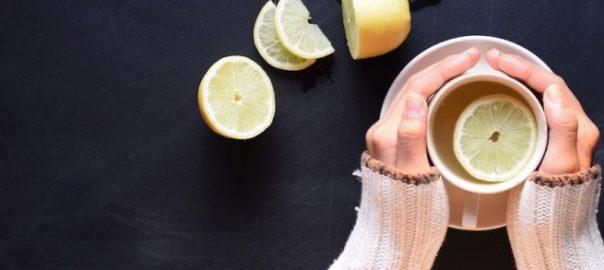 Lợi ích của việc uống nước chanh ấm trước khi đi ngủ