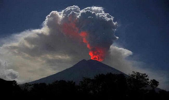 Núi lửa phun trào cũng là nguyên nhân gây ô nhiễm không khí