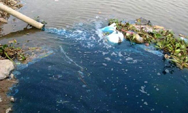 Nguyên nhân gây ô nhiễm nước chủ yếu là do nước thải