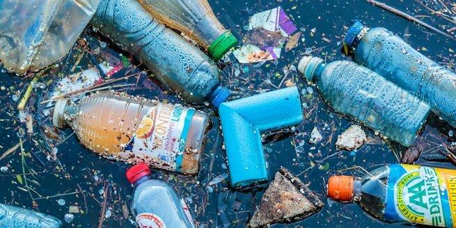 Rác thải nhựa đang làm ô nhiễm môi trường nặng nề