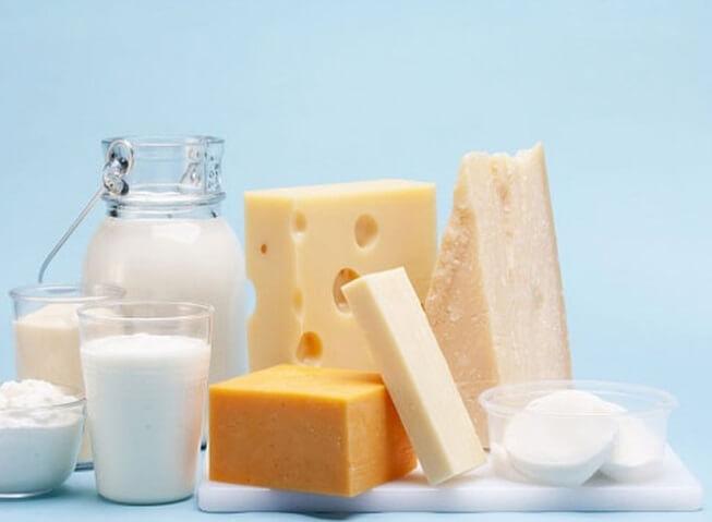 Sữa và các chế phẩm từ sữa đều là những thực phẩm giàu biotin