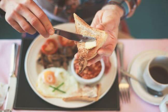 Ăn bữa sáng giúp bạn có nhiều năng lượng hoạt động trong ngày hơn