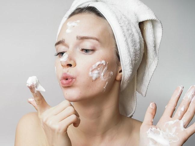Cách chăm sóc da mặt hàng ngày
