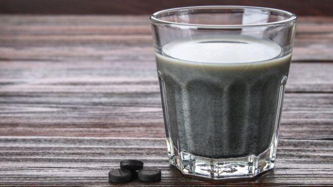 Một ly than hoạt tính giúp cơ thể khỏe mạnh hơn