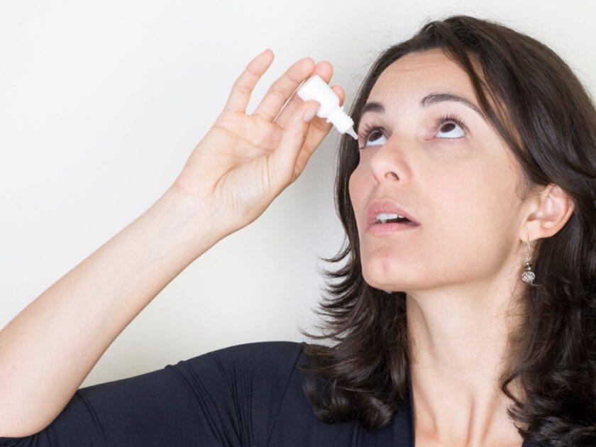 Đau mắt, màng mắt đều có thể là dấu hiệu của ô nhiễm không khí