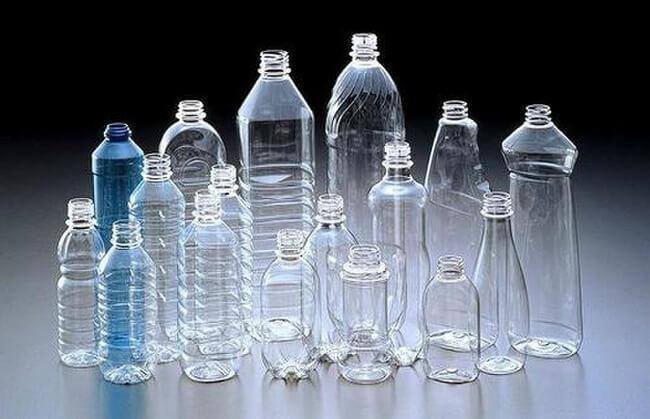 Không đựng nước đun sôi để nguội trong các chai nhựa tái sinh