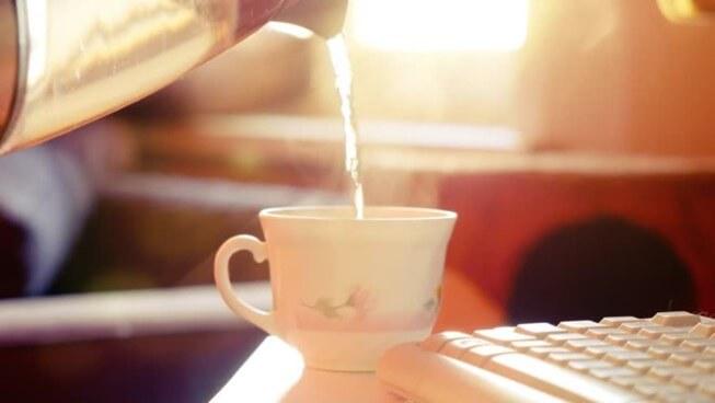 Uống nước ấm vào buổi sáng mang lại nhiều lợi ích cho sức khỏe