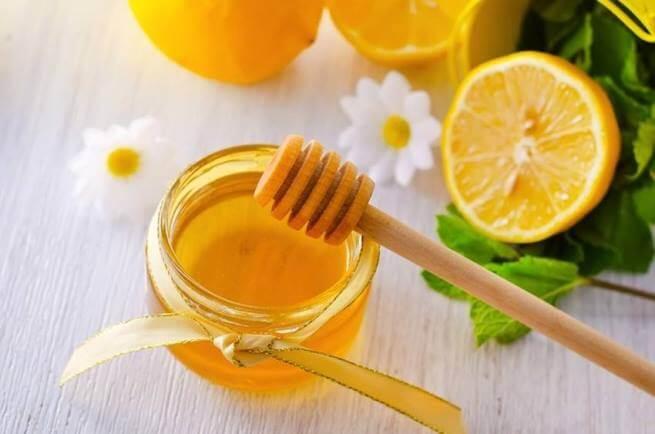 Uống nước chanh mật ông vào mỗi buổi sáng có thể giúp bạn khỏe mạnh hơn