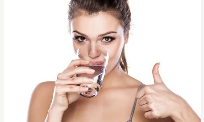 Bổ sung khoáng chất thông qua nước uống mỗi ngày để tăng cường đề kháng cho cơ thể