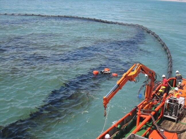 Rào chắn dầu có thể thu gom dầu một cách dễ dàng