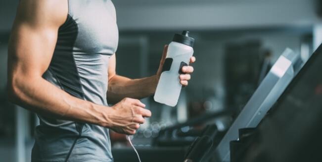 Cần đảm bảo đủ nước khi tập luyện
