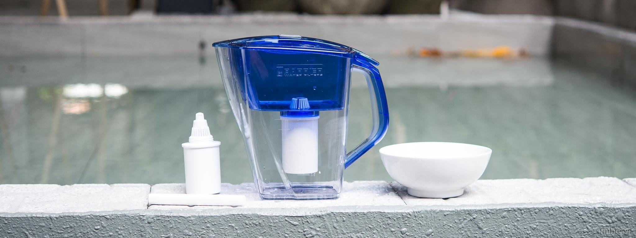 Bình lọc nước mini còn biết đến với tên gọi ca lọc nước, bình lọc nước cỡ nhỏ,...