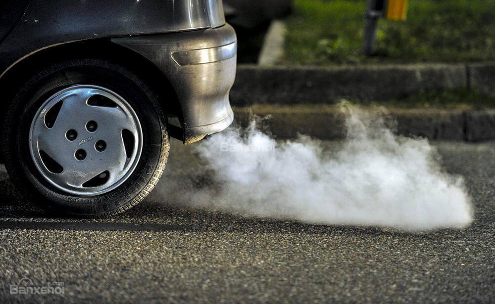 Khí CO có thể được sinh ra từ các nguồn nguyên liệu như xăng, dầu,...