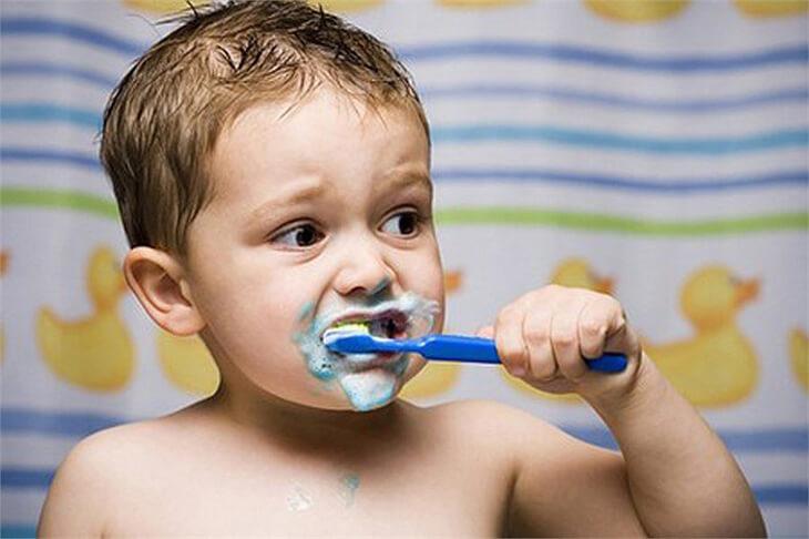 Nếu trẻ nhỏ nhiễm nồng độ flo cao có thể dẫn đến tử vong