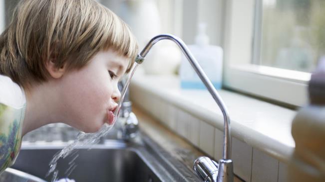 Tác hại của ô nhiễm nguồn nước tới trẻ nhỏ
